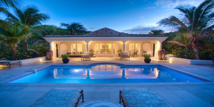 Les Palmiers is THE premiere honeymoon villa in St. Martin (and possibly in the Caribbean) according to numerous magazines and online travel sources.