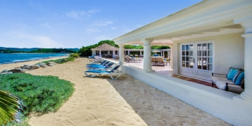 A beautiful 3 bedroom villa with magnificent sweeping views of the beach, the Caribbean Sea and Anguilla.