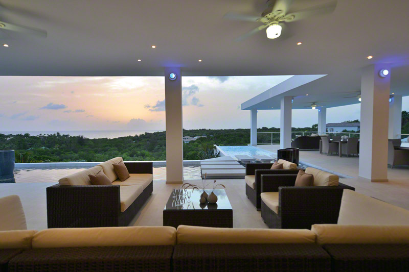 Grand Bleu villa, Plum Bay, Terres-Basses, St. Martin, French West Indies.