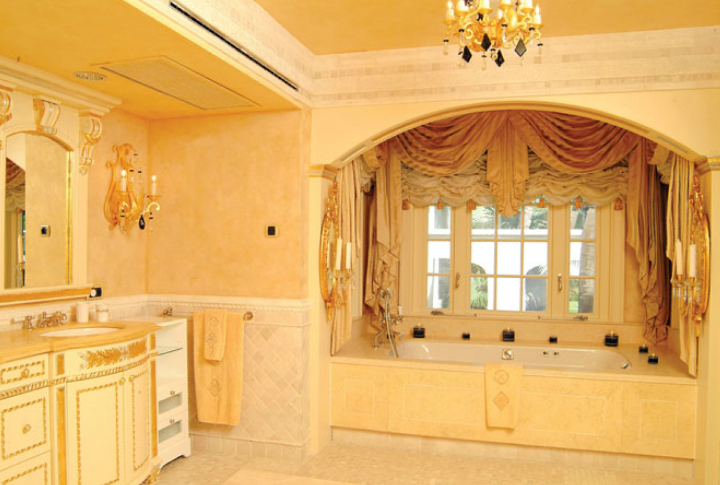 Le Chateau des Palmiers luxury villa rental, Baie aux Prunes, Terres-Basses, Saint Martin, Caribbean.