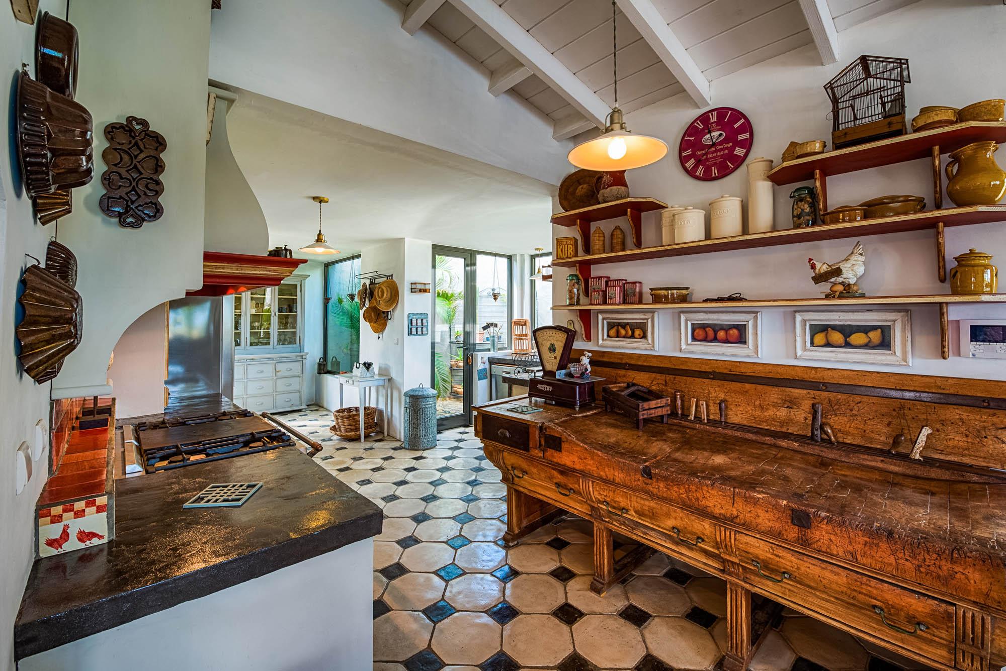 Le Mas des Sables villa rental, Baie aux Cayes, Terres Basses, Saint Martin, Caribbean with the tastefully designed kitchen.