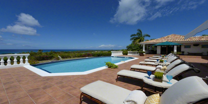 A very sophisticated and elegant 5 bedroom villa with swimming pool and unique outdoor entertainment area!