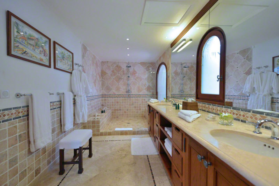 Belle Etoile villa rental, Baie aux Prunes, Baie Rouge, Terres-Basses, Saint Martin, Caribbean.