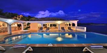 A very romantic atmosphere by night at villa Escapade, Anse au Cajoux, Terres Basses, Saint. Martin.