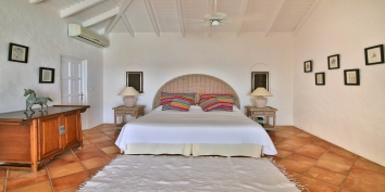 Escapade villa rental, St. Martin, offers two bedrooms with king size beds and two with double twin beds.