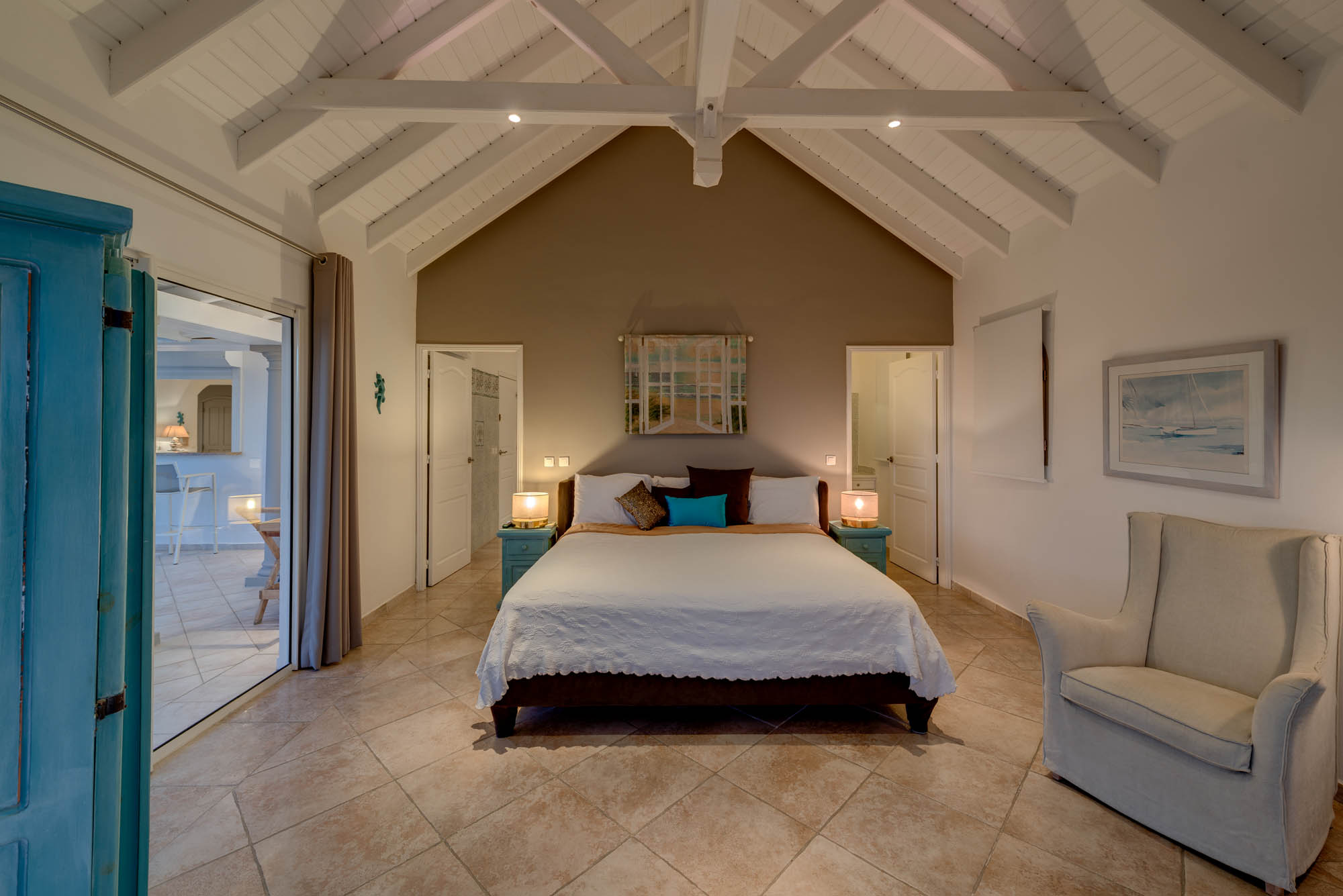 All bedrooms feature king size beds, private bathrooms with showers, air conditioning, ceiling fans, plasma TV and DVD.