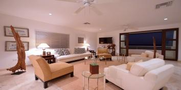 Villa Luna villa rental, Cupecoy Beach, Dutch Low Lands, Sint Maarten, Caribbean.