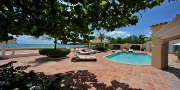 Little Jazz Bird, Baie Rouge Beach, Terres-Basses, Saint Martin, Caribbean.