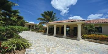 Maison de Reve villa rental, Baie aux Cayes, Terres Basses, Saint Martin, Caribbean.
