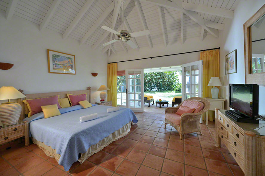 Serena villa rental, Baie Rouge Beach, Terres-Basses, St. Martin, French West Indies.
