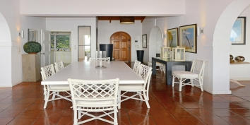 A photograph of the elegant dining area of this St. Martin vacation villa rental.