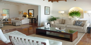 Beaulieu villa rental, Long Bay Beach, Terres-Basses, Saint Martin, Caribbean provides new and very beautiful contemporary furniture.