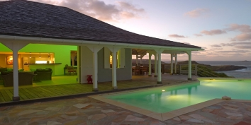 A class French West Indies villa with 5 bedrooms, 2 swimming pools and spectacular views of the turquoise Caribbean Sea!