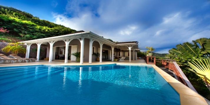 Villa yellow lagoon levant estate petit cul de sac st for Architecture petite villa
