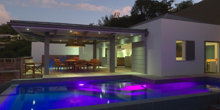 A modern villa with contemporary interior design, 3 bedrooms, swimming pool and stunning views of the Caribbean Sea!