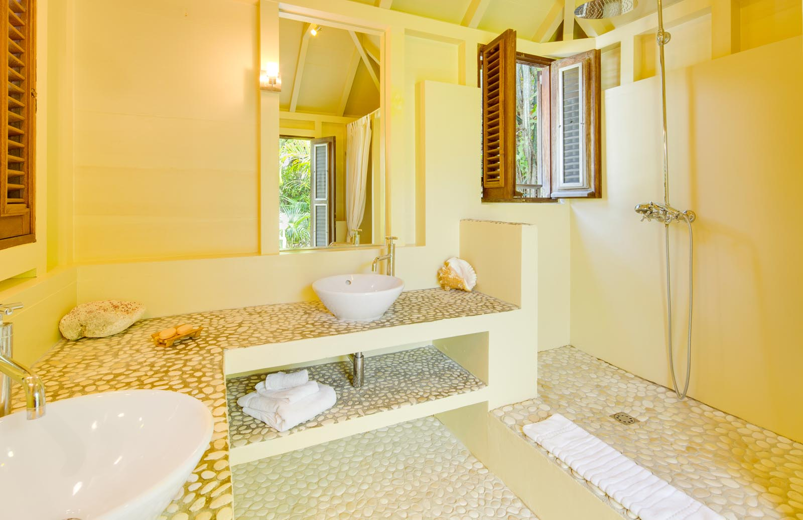 Each of the bedrooms at this St. Barts luxury villa rental have private bathrooms.
