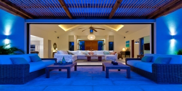 Spacious and comfortable indoor and outdoor living at villa Castaway, Thompson Cove, Providenciales (Provo), Turks and Caicos Islands.