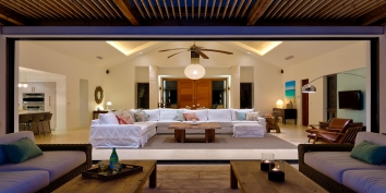 This Turks and Caicos luxury villa rental offers an exceptional indoor/outdoor living experience.
