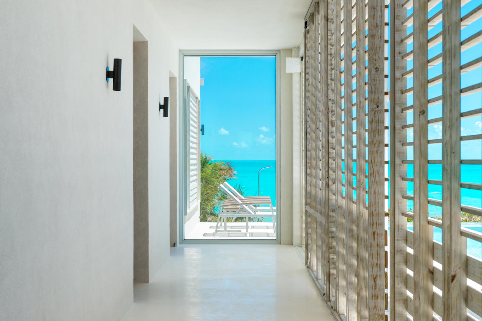 Aguaribay, Long Bay Beach, Providenciales (Provo), Turks and Caicos Islands offers contemporary comfort with a Caribbean touch.