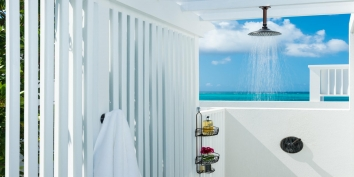 Take a refreshing shower while feeling the Caribbean breeze and great views of the Turks and Caicos Islands.