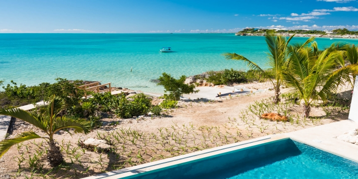 The perfect choice for a couple who appreciate contemporary luxury, an extra large diminishing edge swimming pool and wonderful views of the turquoise sea!