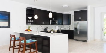 This Turks and Caicos villa rental has a modern kitchen equipped with everything you may need during your vacation.