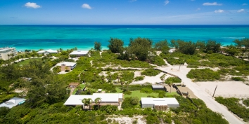 This Turks and Caicos luxury villa rental is only a very short stroll to magnificent Grace Bay Beach.
