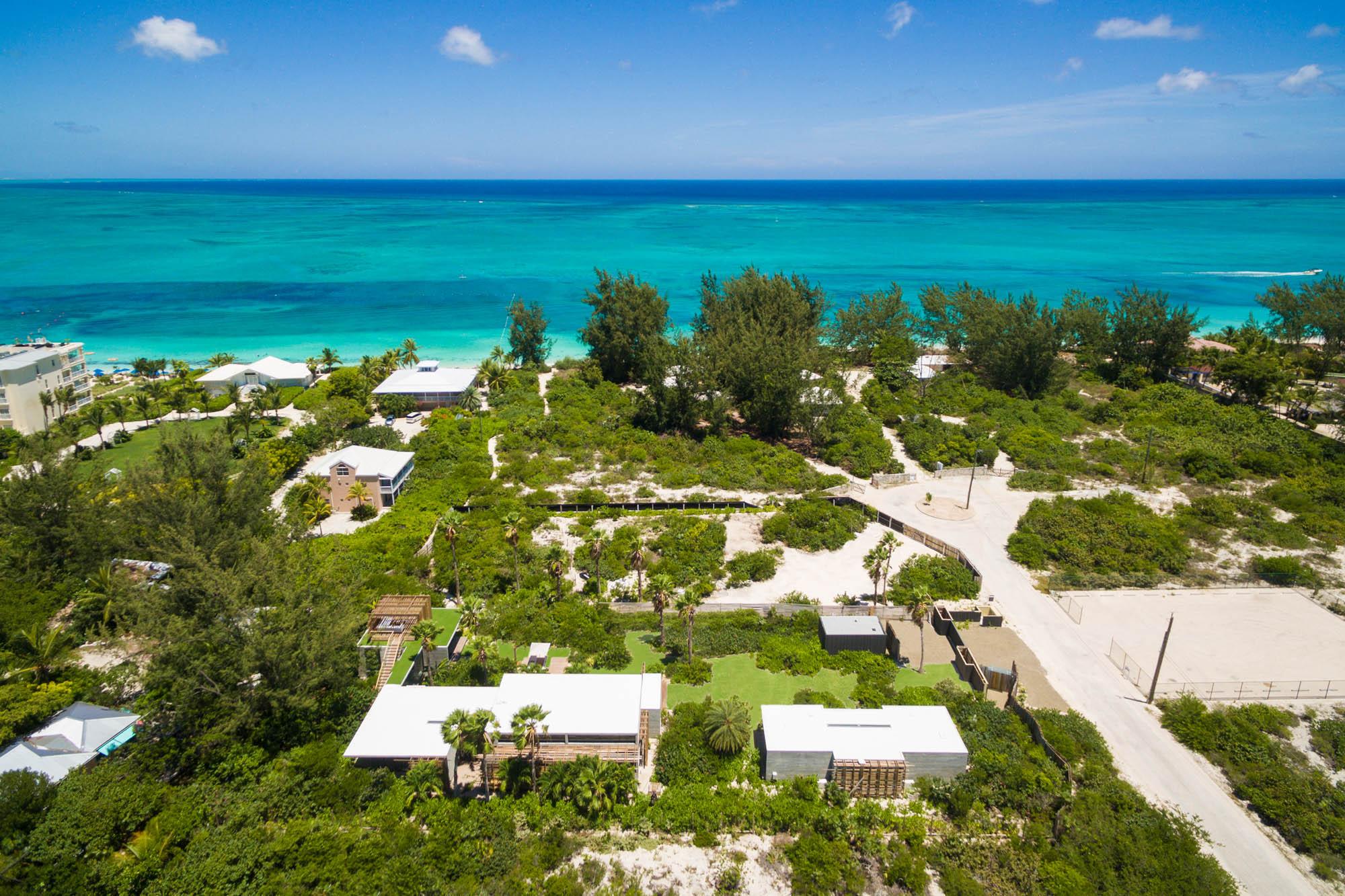 villa islander, grace bay, providenciales (provo) / turks and