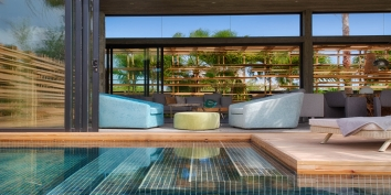 This Turks and Caicos luxury villa rental provides a seemless indoor and outdoor living experience.