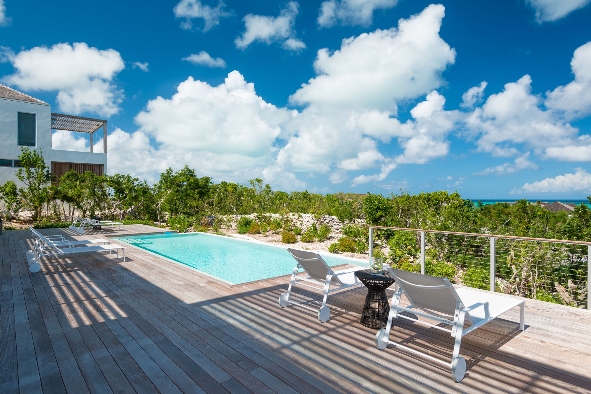 These Turks and Caicos luxury ocean view villa rentals have spacious bathrooms with top of the line fixtures and fittings.