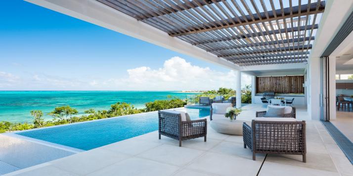 Ultra-luxury 5 bedroom, beachfront villa with heated infinity edge swimming pool and stunning sea views!