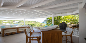 Lots of space for your enjoying your vacation at Azur Dream, Terres Basses, Saint Martin.
