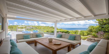 There are many options for socializing at Azur Dream, Terres Basses, Saint Martin.