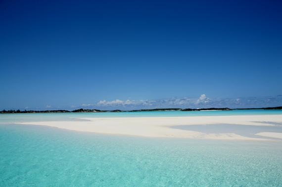 Crytal clear lagoons and sandbanks in The Bahamas, Caribbean.
