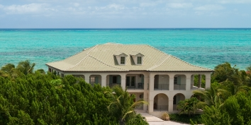 Turks and Caicos Villa Rentals - Beach Villa Tamarind, Grace Bay Beach, Providenciales (Provo), Turks and Caicos Islands.