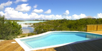 Turks and Caicos Villa Rentals By Owner - Serene Villa, Chalk Sound, Providenciales (Provo), Turks and Caicos Islands.